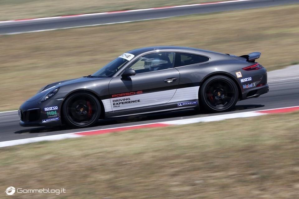 Michelin e Porsche: Quando Gomme e Auto raggiungono l'eccellenza 24
