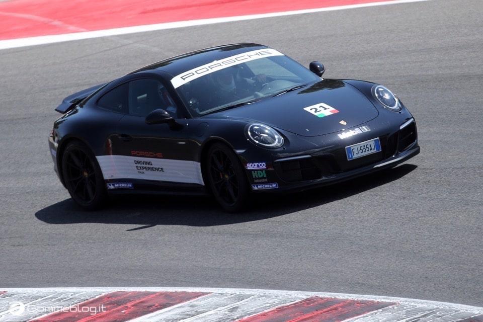 Michelin e Porsche: Quando Gomme e Auto raggiungono l'eccellenza 22