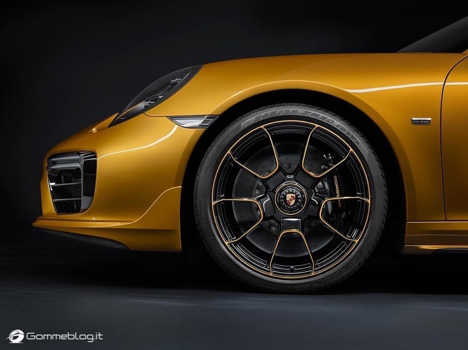 Porsche 911 Turbo S Exclusive Series: VIDEO COME è FATTA 12