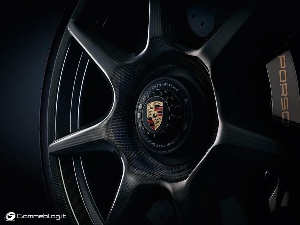 Porsche 911 Turbo S Exclusive: Cerchi in Lega in Carbonio 16