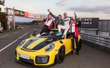 Porsche GT2 RS: Record, al Nurburgring gira in 6 minuti e 47,3 secondi