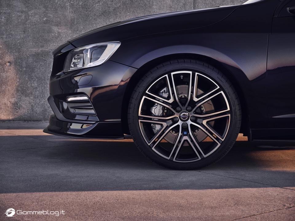 Volvo S60 e V60 Polestar: 367 CV, Aerodinamica Evoluta e Fibra di Carbonio 23