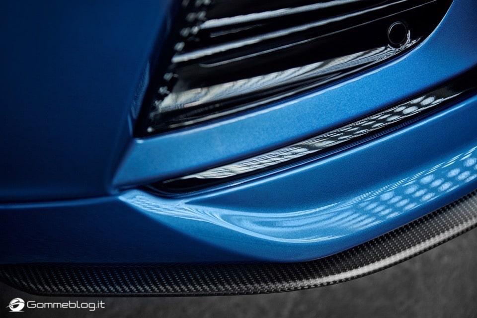 Volvo S60 e V60 Polestar: 367 CV, Aerodinamica Evoluta e Fibra di Carbonio 20