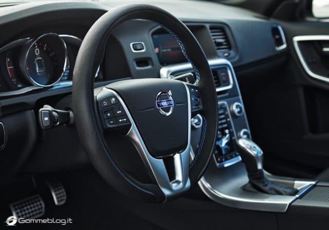 Volvo S60 e V60 Polestar: 367 CV, Aerodinamica Evoluta e Fibra di Carbonio 2