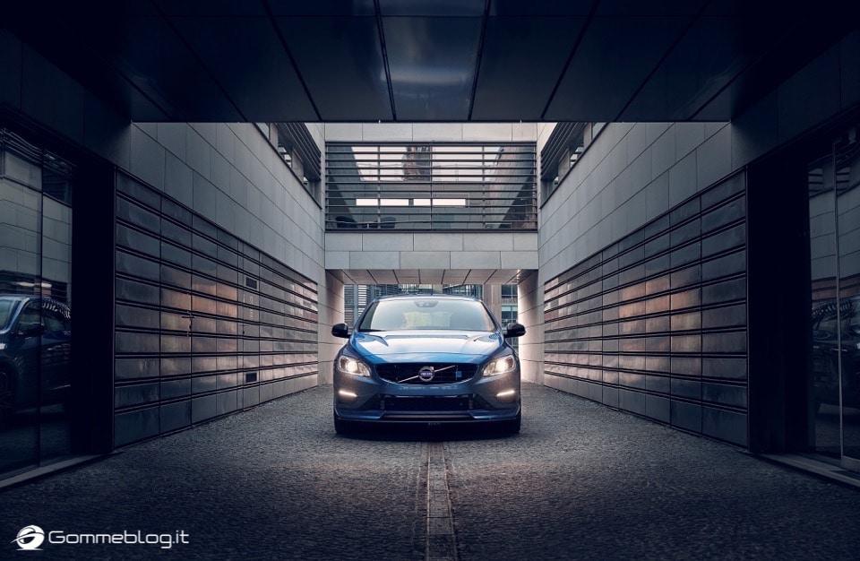 Volvo S60 e V60 Polestar: 367 CV, Aerodinamica Evoluta e Fibra di Carbonio 22