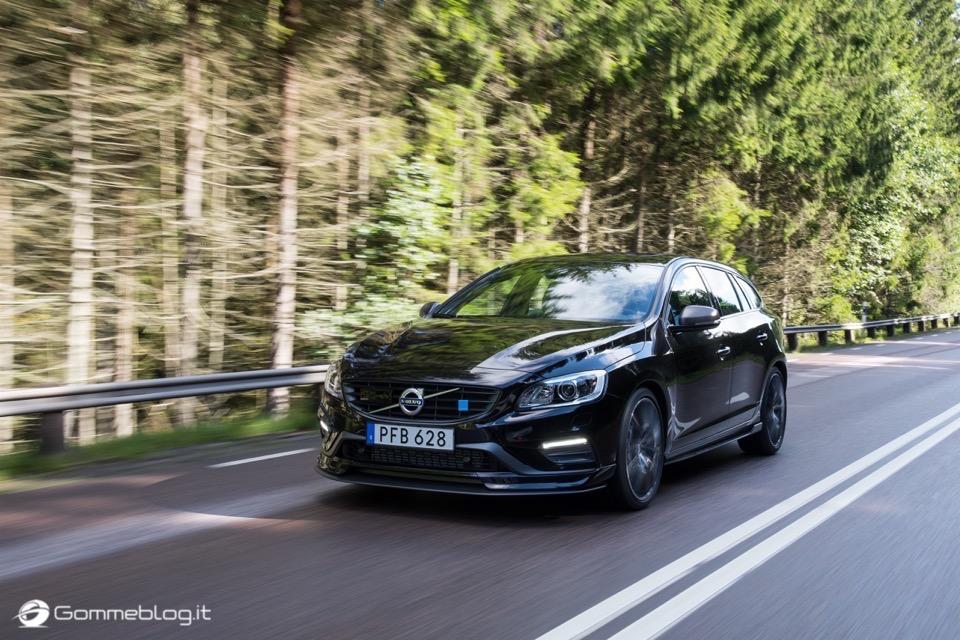 Volvo S60 e V60 Polestar: 367 CV, Aerodinamica Evoluta e Fibra di Carbonio 34