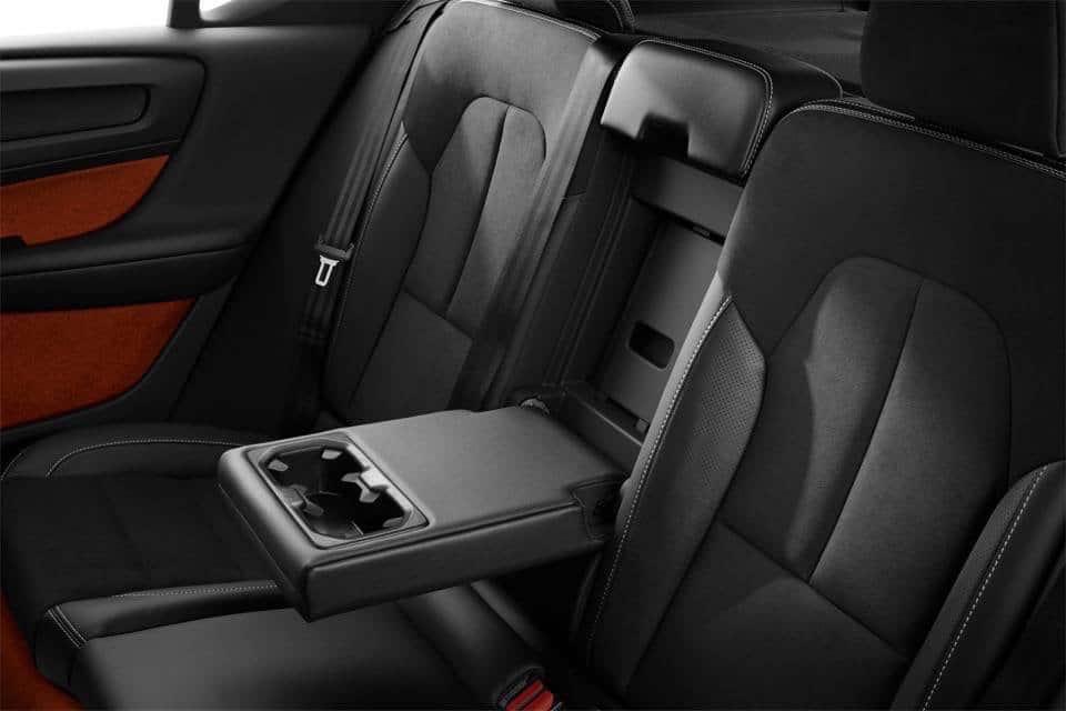 Volvo XC40: il nuovo SUV compatto di lusso 25