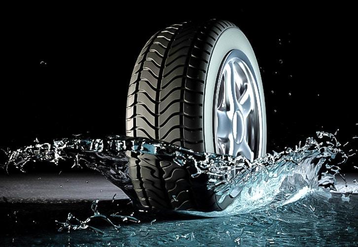Cosa è l'aquaplaning: Come Guidare in modo sicuro Quando Piove