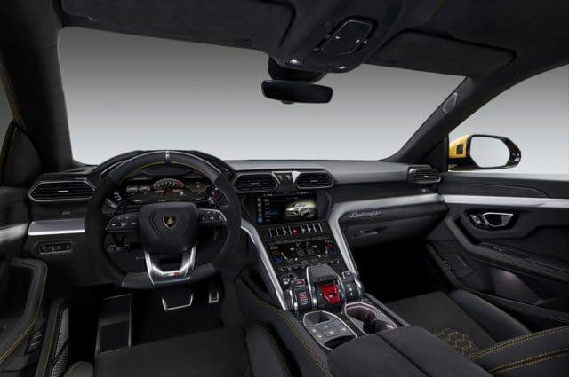 La nuova Lamborghini Urus: il primo Super Sport Utility Vehicle 2