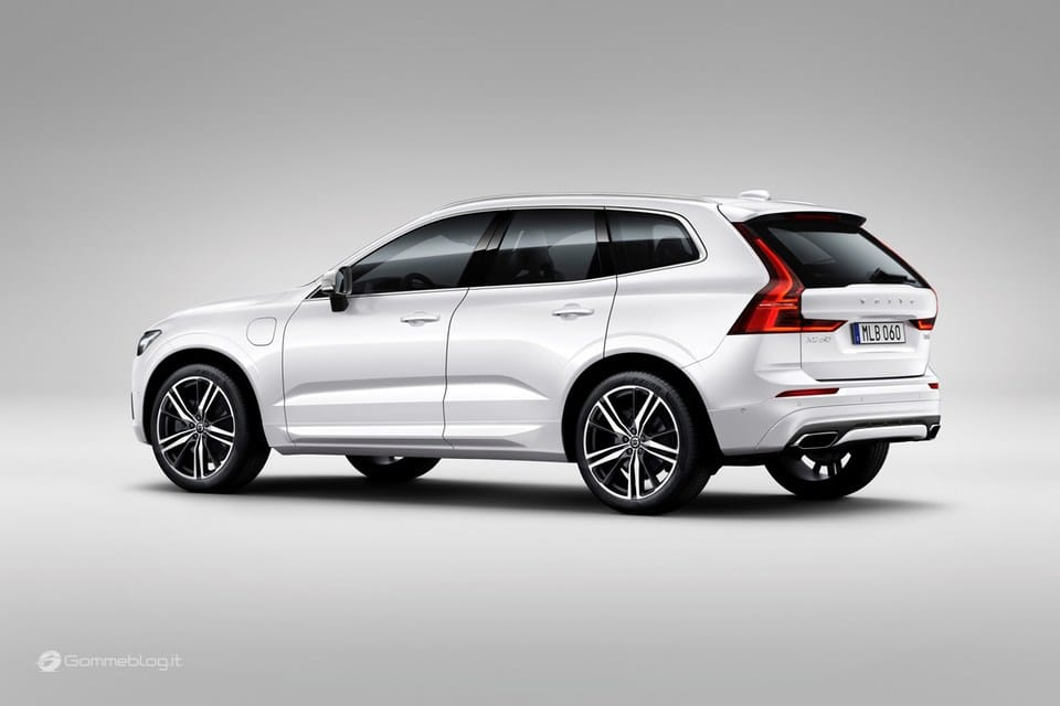 Volvo XC60 T8 Twin Engine: il SUV di lusso Hybrid da 407 CV [VIDEO] 19
