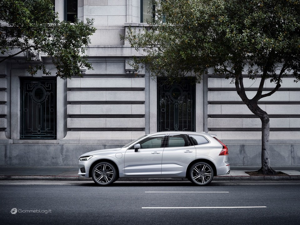 Volvo XC60 T8 Twin Engine: il SUV di lusso Hybrid da 407 CV [VIDEO] 20
