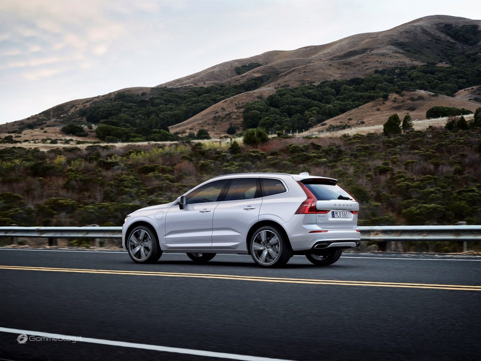 Volvo XC60 T8 Twin Engine: il SUV di lusso Hybrid da 407 CV [VIDEO] 22