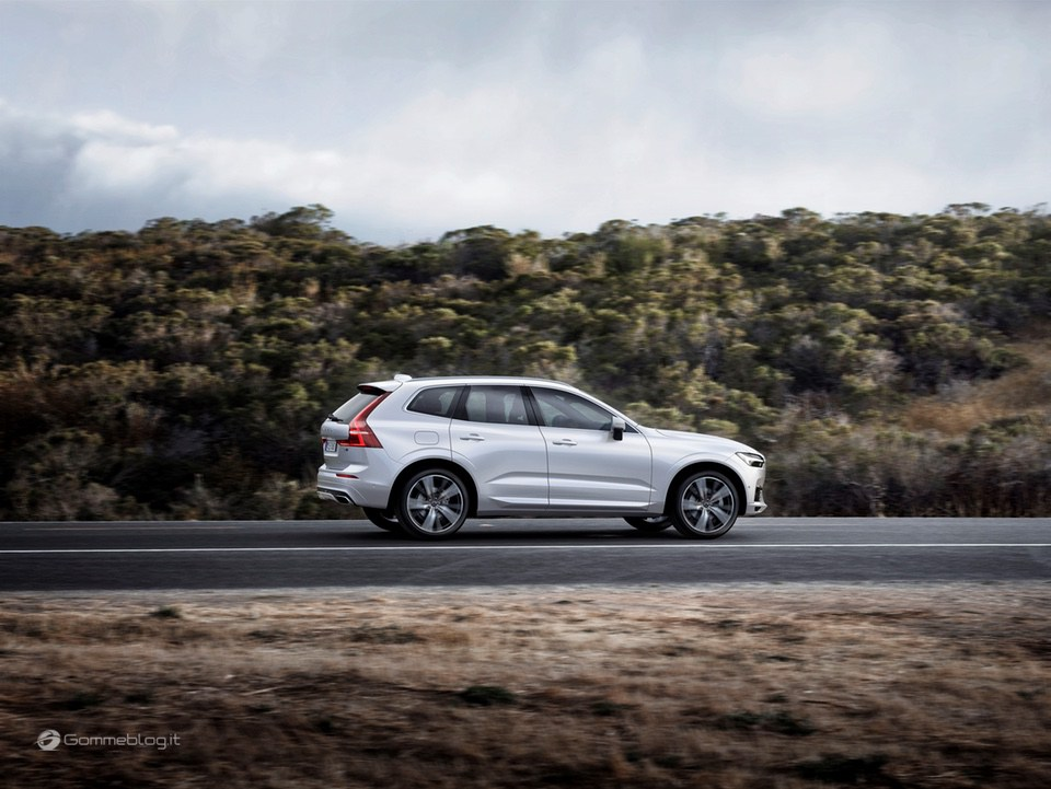 Volvo XC60 T8 Twin Engine: il SUV di lusso Hybrid da 407 CV [VIDEO] 23