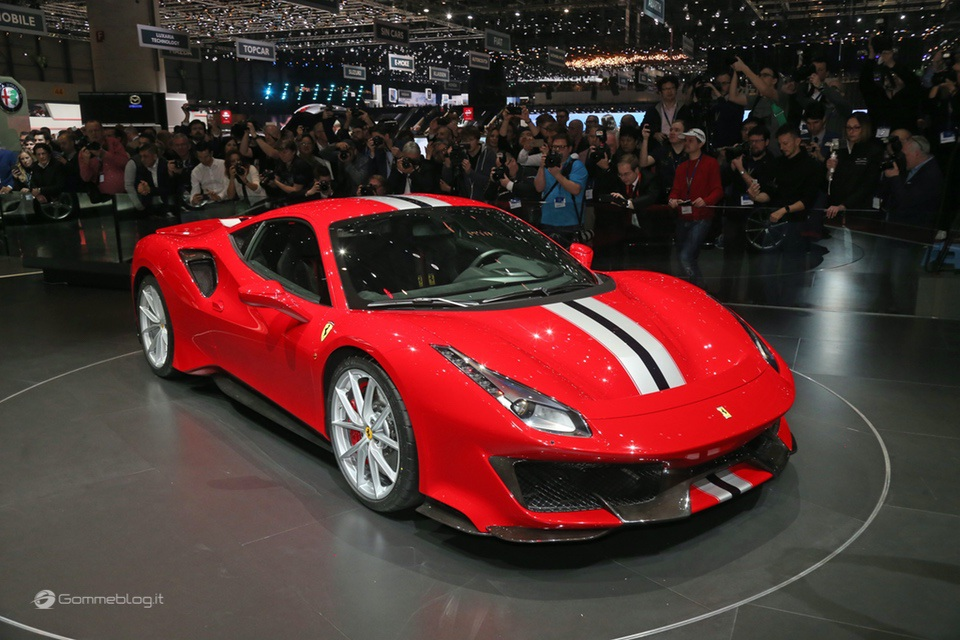 Ferrari 488 Pista e gomme Michelin Pilot Sport Cup 2 K2: Top Performance 12