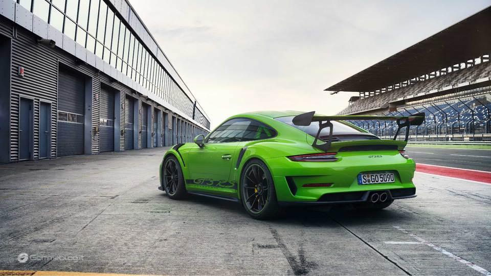 Gomme Michelin: a Ginevra Calzano le Supercar più potenti 7