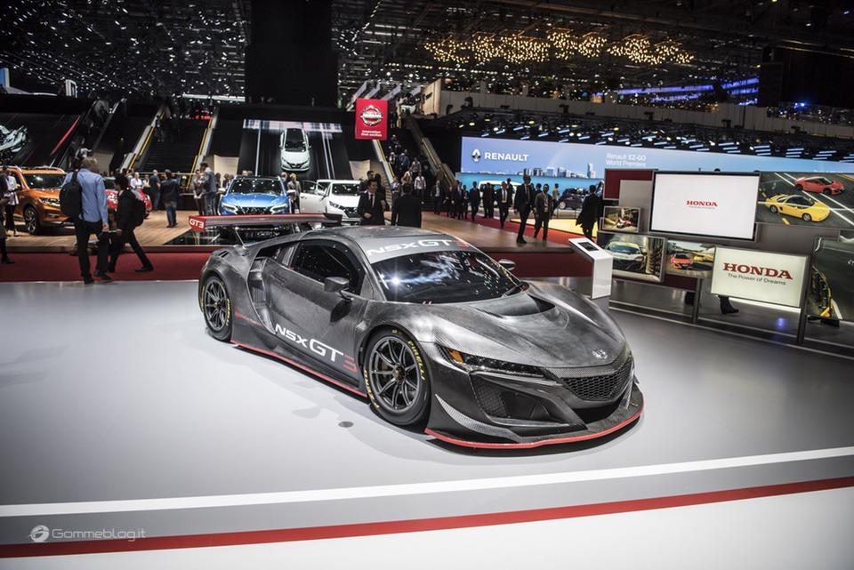 Pneumatici Pirelli: il 60% delle Supercar calza Gomme PZero 12