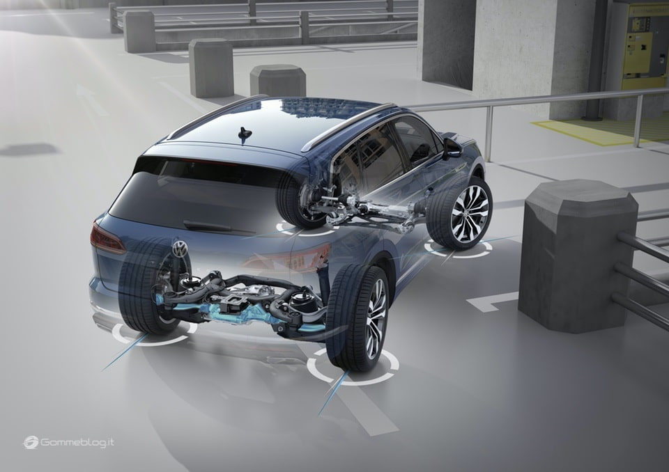 Nuova VW Touareg: Ecco come funziona la stabilizzazione del rollio 18