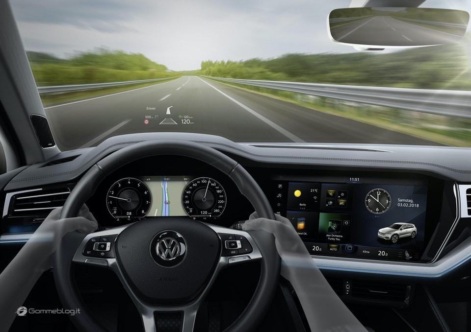 Nuova VW Touareg: Ecco come funziona la stabilizzazione del rollio 10
