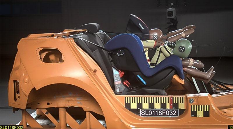 Test Seggiolini Auto 2018: OK l'airbag per bambini e il rialzo iSize 3