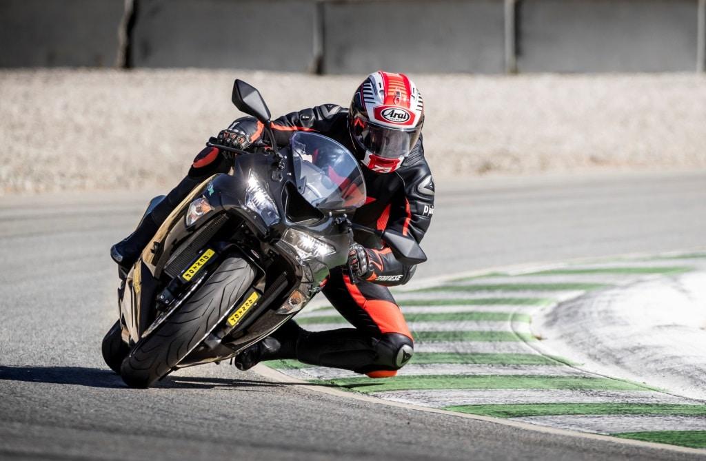"""Pneumatici Moto 2019: Dunlop SportSmart 3, la gomma che """"sfida le regole"""" 2"""