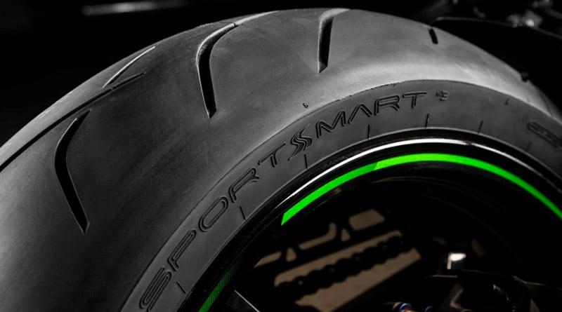 """Pneumatici Moto 2019: Dunlop SportSmart 3, la gomma che """"sfida le regole"""" 1"""