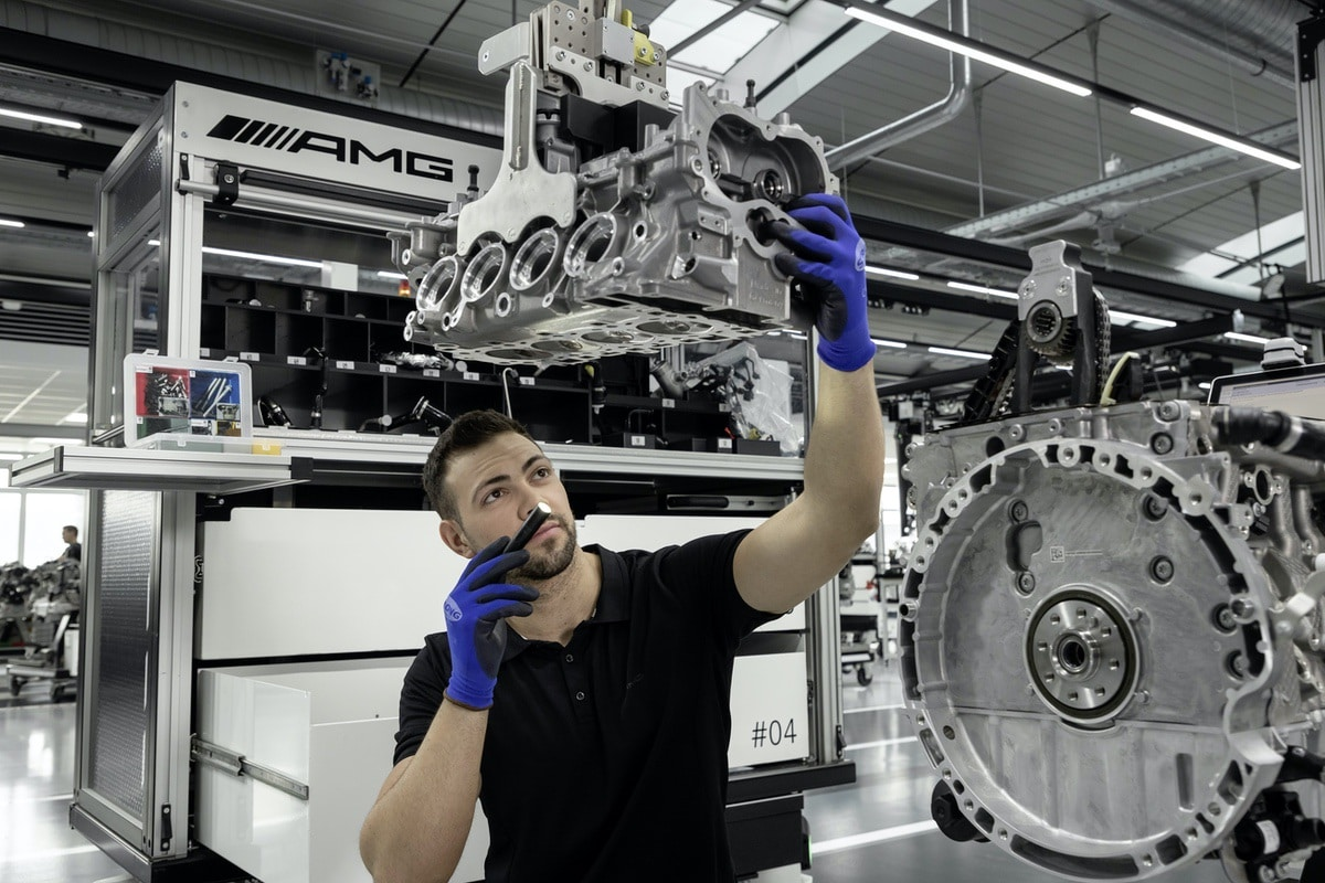 Mercedes-AMG: Nuovo motore 2.0 da 421 CV (M 139) 3
