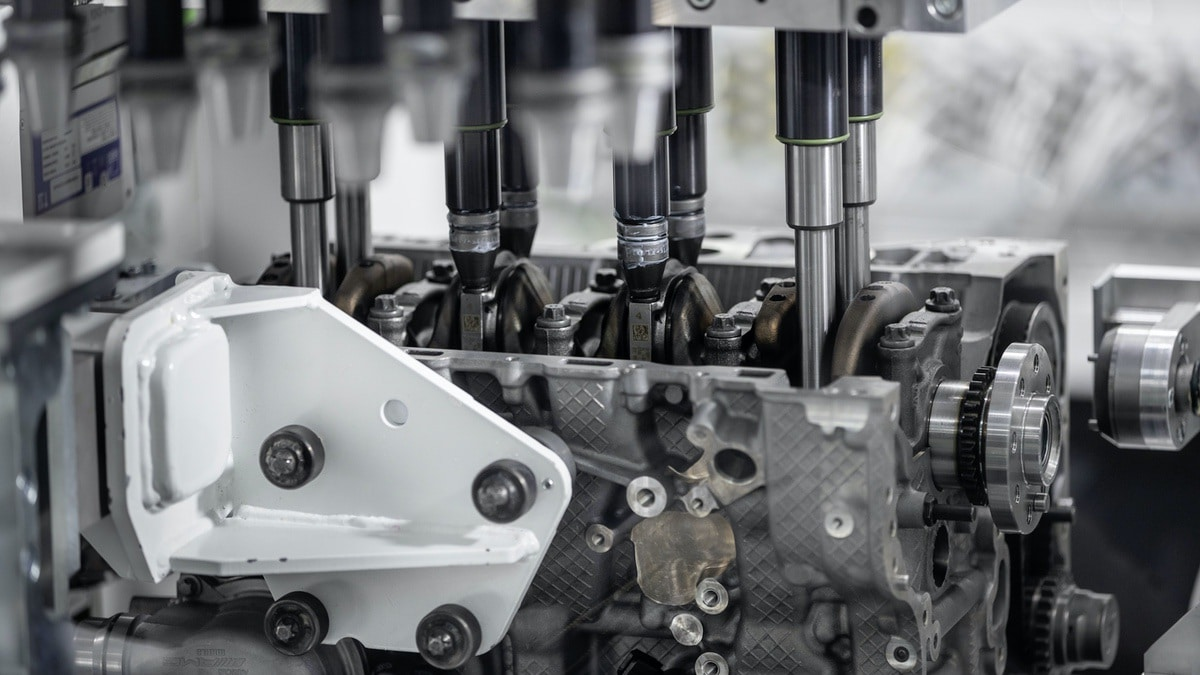 Mercedes-AMG: Nuovo motore 2.0 da 421 CV (M 139) 5