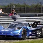 Volkswagen ID.R: Record Elettrico al Nürburgring. 6:05,336 minuti