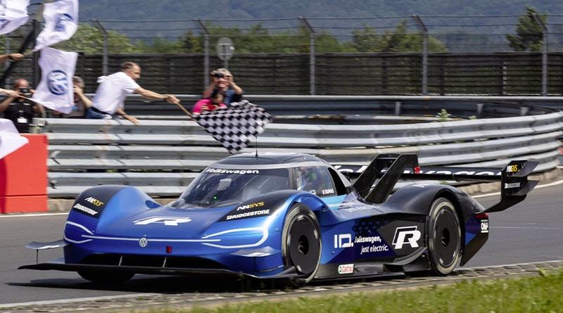 Volkswagen ID.R: Record Elettrico al Nürburgring. 6:05,336 minuti 2